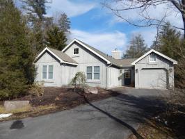 123 Nawakwa Rd, Pocono Pines, PA 18350
