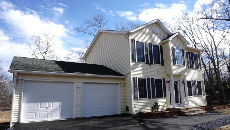 242 Pocono Blvd, Bushkill, PA 18324