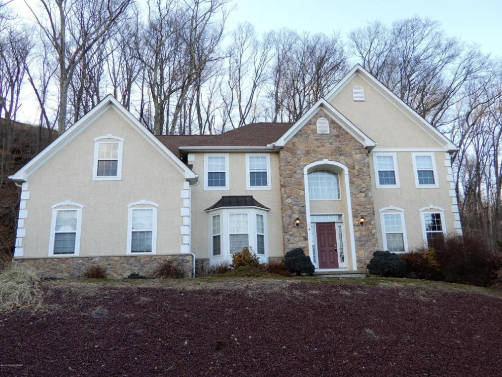 326 Shawnee Valley Dr, East Stroudsburg, PA 18302