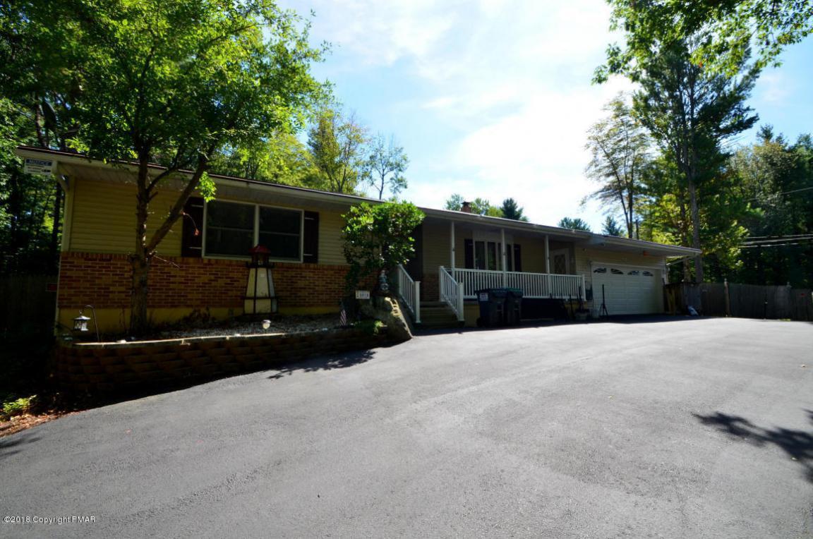 140 Elm Dr, Pocono Lake, PA 18347