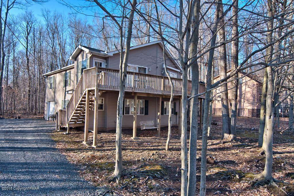 312 Arapaho Dr, Pocono Lake, PA 18347