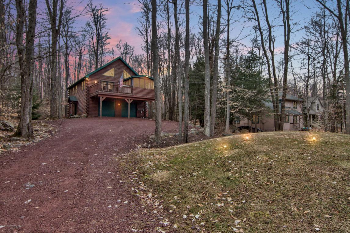 1259 Redwood Ter, Pocono Pines, PA 18350