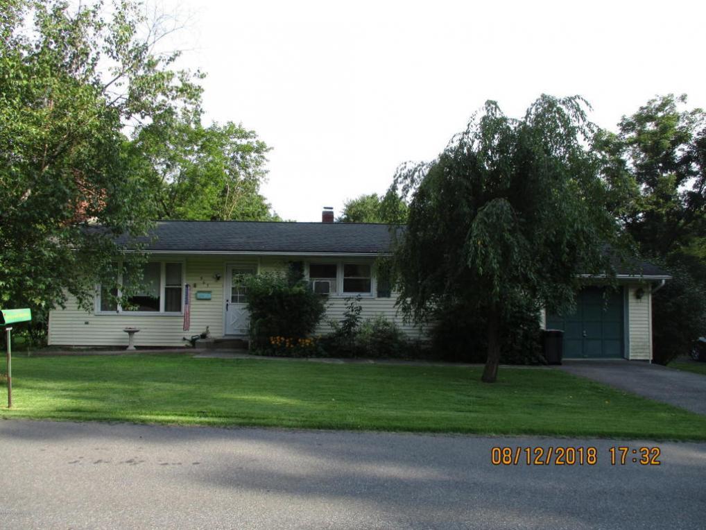 965 Drake Ln, Stroudsburg, PA 18360