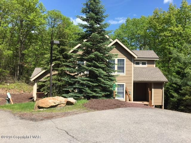 470 Spruce Dr, Tannersville, PA 18372
