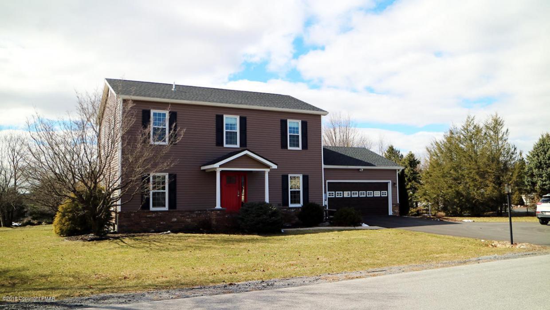 6425 Abbey Rd, Wind Gap, PA 18091