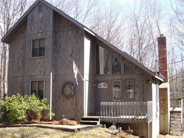 82 N Lehigh River Dr, Gouldsboro, PA 18424