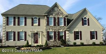 136 Saddle Creek Dr, Mount Bethel, PA 18343