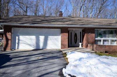 Photo of 1332 Par Dr, Kunkletown, PA 18058