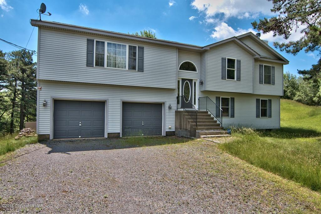 1616 Glade Dr, Long Pond, PA 18334