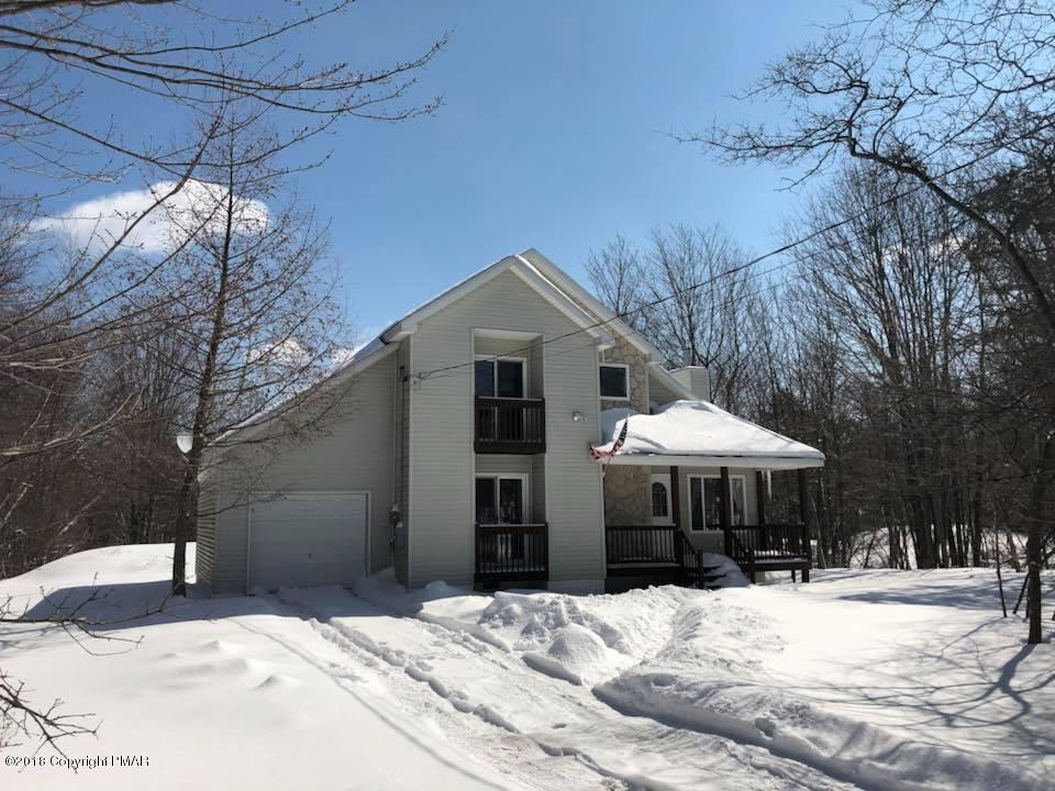 248 Overland Dr, Long Pond, PA 18334