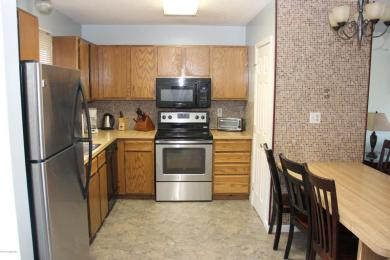 127 Cross Country Ln, Tannersville, PA 18372
