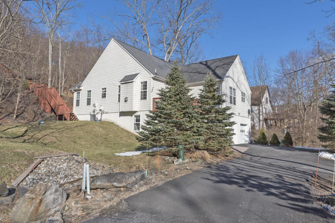 411 Birch Ln, East Stroudsburg, PA 18302