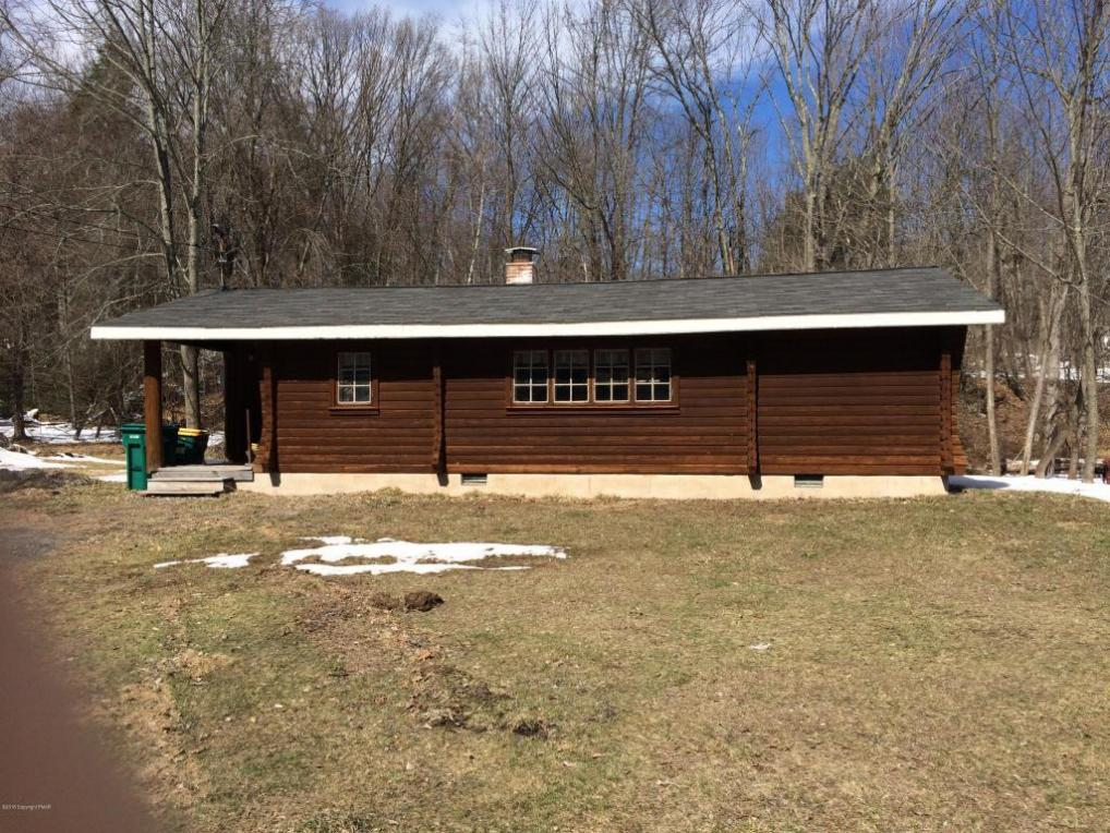 150 Camelback Rd, Tannersville, PA 18372