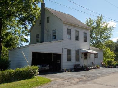 216 Entwistle St, Weatherly, PA 18255