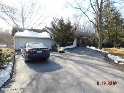 Photo of 606 Rinker Rd, Stroudsburg, PA 18360