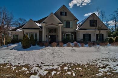 744 Silver Fox Lane, Stroudsburg, PA 18360