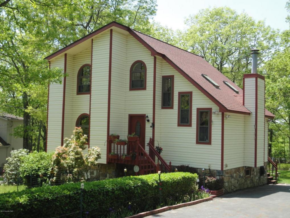 323 Mallard Lane, Bushkill, PA 18324