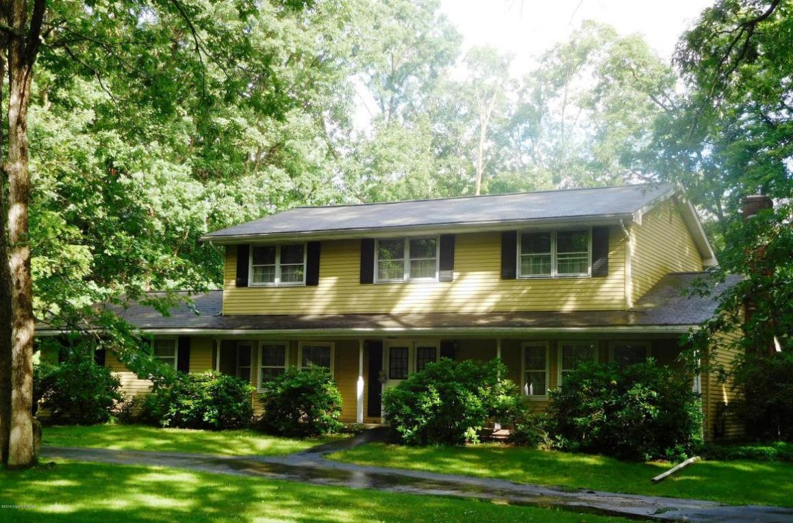 123 Jackson Drive, East Stroudsburg, PA 18302