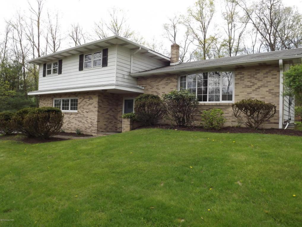 216 Skinner Hill Rd, Stroudsburg, PA 18360
