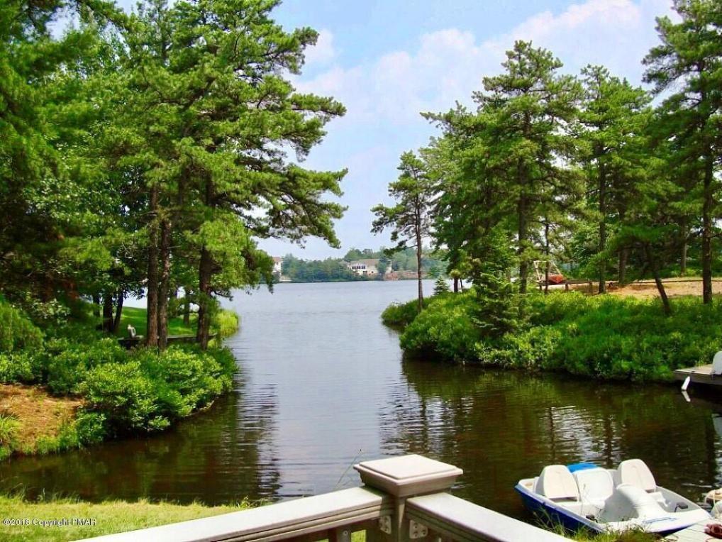 420 Mountain Top Lake Rd, Long Pond, PA 18334