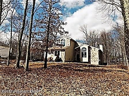 811 Knoll Dr, East Stroudsburg, PA 18302