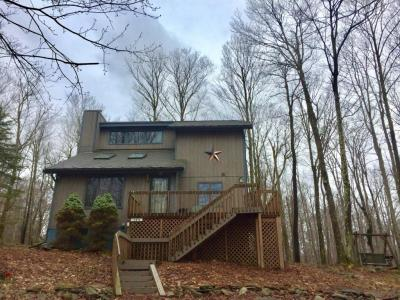 Photo of 102 Mountainside Dr, Gouldsboro, PA 18424