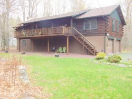 177 Sawmill Rd, Pocono Lake, PA 18347