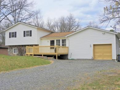 27 Mountain Top Road, East Stroudsburg, PA 18302