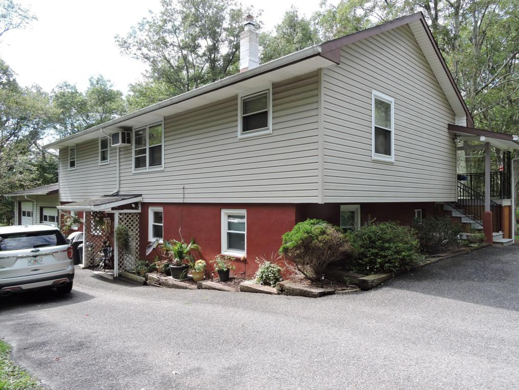 202 Timber Hill Road, Henryville, PA 18332