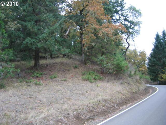Jewel Dr, Roseburg, OR 97471