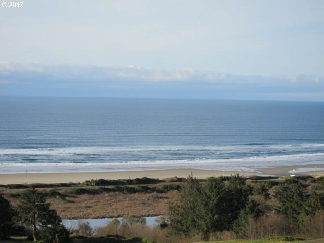 68 Nantucket Dr, Pacific City, OR 97135