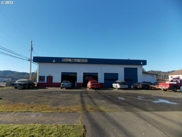 930 B St, Myrtle Point, OR 97458