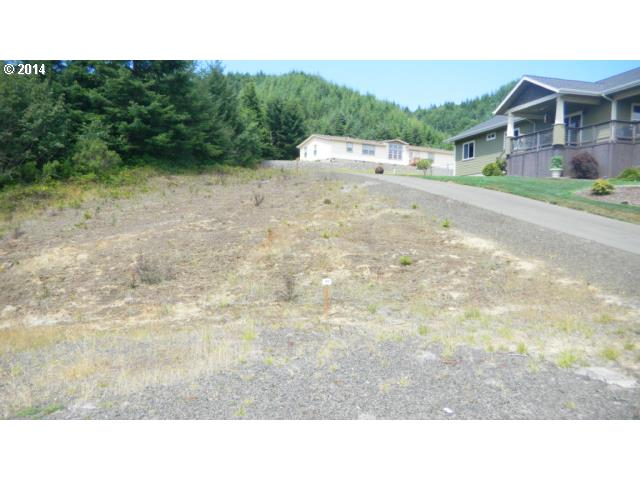 230 Foxglove Way, Reedsport, OR 97467
