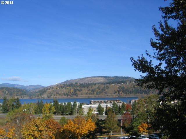 Columbia St, Hood River, OR 97031