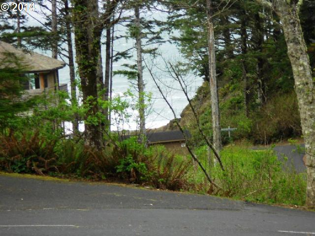 119 Walking Wood, Depoe Bay, OR 97341