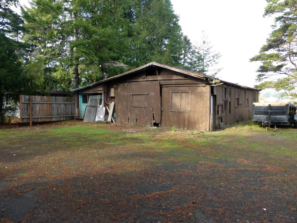 1865 35th St, Florence, OR 97439