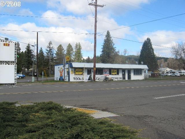 1257 W Central Ave, Space 1, Sutherlin, OR 97479