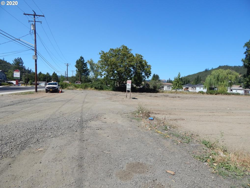 4815 NE Stephens St, Roseburg, OR 97470