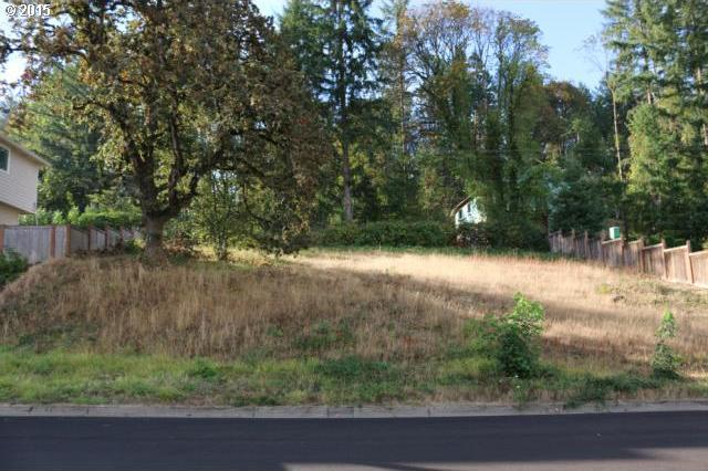 Ambleside Dr, Springfield, OR 97477
