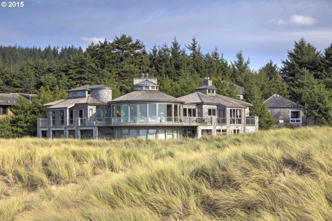 640 N Oak St, Cannon Beach, OR 97110