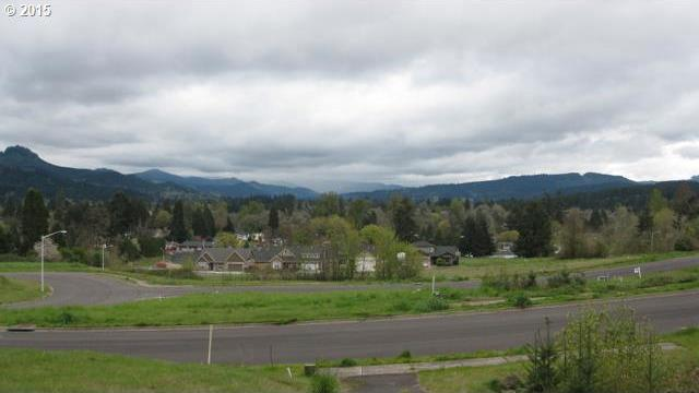 700 N M St, Cottage Grove, OR 97424