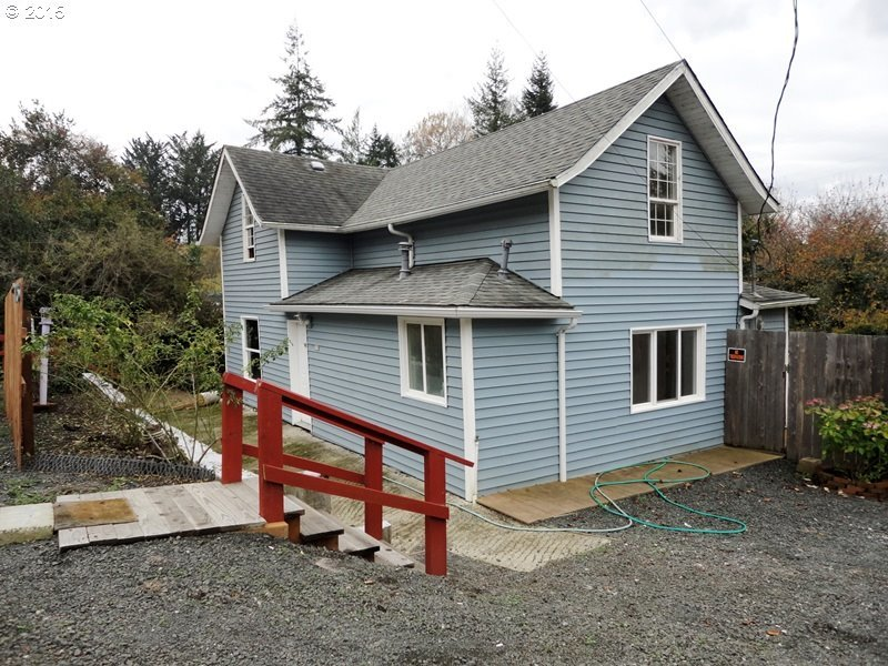 775 N Adams St, Coquille, OR 97423