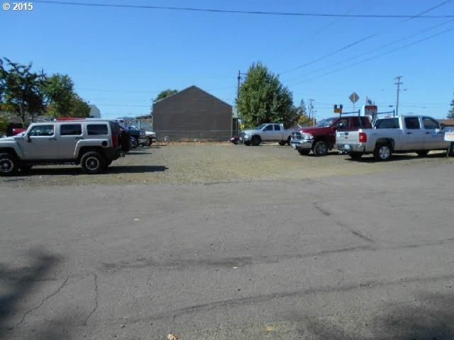 2345 W Harvard Ave, Roseburg, OR 97471