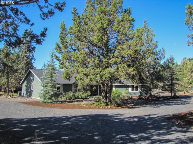 21627 Paloma Dr, Bend, OR 97701