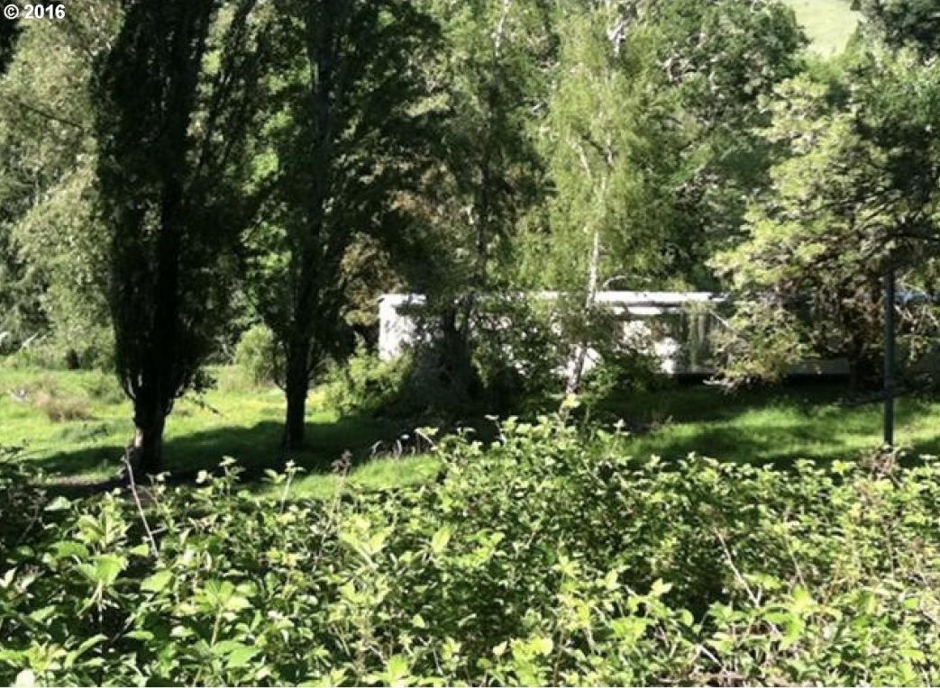 3078 Scotts Valley Rd, Yoncalla, OR 97499