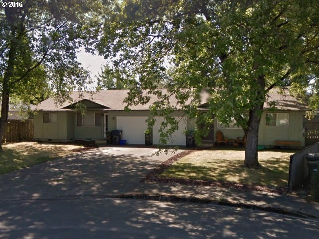236 S 35th St, Springfield, OR 97478