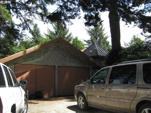 90138 Collver Point Ln, Coos Bay, OR 97420