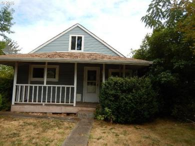 1131 1st St, Springfield, OR 97477