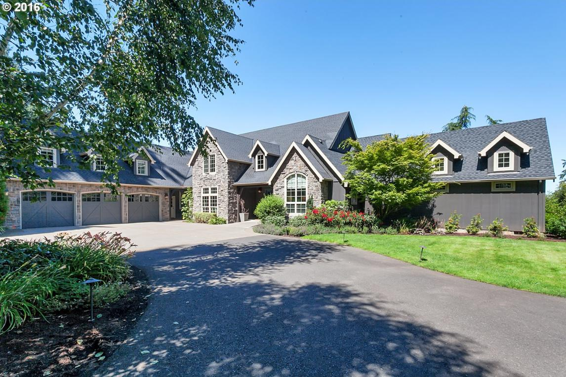 5835 SW Blackberry Ln, Tualatin, OR 97062
