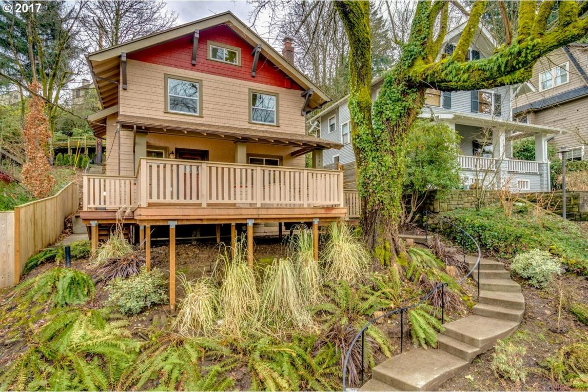 2756 SW Montgomery Dr, Portland, OR 97201